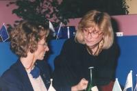 ritratto di Riccarda Meloni con Emma Bonino