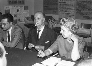 assemblea intorno ad un tavolo. Da sinistra: Gatti, Villabruna, Garofalo (BN)