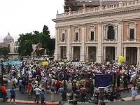 Manifestazione-fiaccolata a sostegno del Tribunale Internazionale, in occasione della conferenza diplomatica riunita alla Fao. Veduta dall'alto della