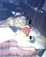 Membri dell'opposizione birmana BSPRC, dormono in una cameretta, preoccupati per  un arresto da parte della polizia.
