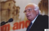38° Congresso del PR. Marco Pannella alla tribuna.