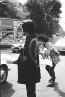 """3a marcia antimilitarista Milano-Vicenza. Distribuzione di volantini sul lungolago (i due militanti erano soprannominati: """"Cianuro"""", avvolto da una ba"""