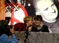 Emma Bonino e Franca Valeri, in occasione della celebrazione del trentennale della vittoria del referendum sull'aborto.