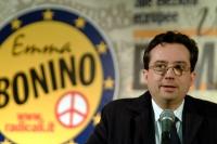Marco Beltrandi, al 6° Congresso italiano del PR.  Altri ritratti digitali di Beltrandi, nella stessa occasione.