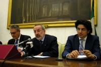 Conferenza stampa presso la sala stampa della Camera dei Deputati, sull'espulsione del Partito Radicale dall'ONU. Al tavolo: Danilo Quinto, Enrico Bue