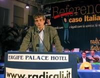 Olivier Dupuis alla tribuna del Terzo Congresso dei Radicali Italiani.