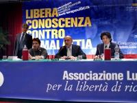 Vista della presidenza del Terzo Congresso dell'Associazione Coscioni: da sinistra, Maurizio Turco, Rocco Berardo, Alessandro Litta Modignani, Marco C