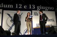 """Lo scienziato Gilberto Corbellini e Marco Cappato intervengono al concerto a piazza Navona, promosso dal """"Comitato delle donne laiche"""" per il sì ai re"""